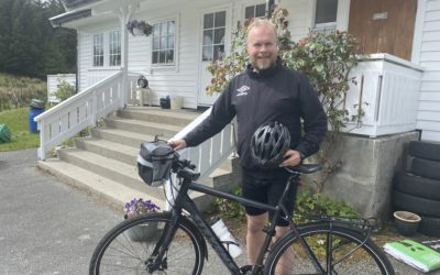 Sykler Nordkapp-Lindesnes og lager TV-film
