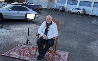 Snart 18 år på lufta, Hanvold minnes i eget utendørs-studio