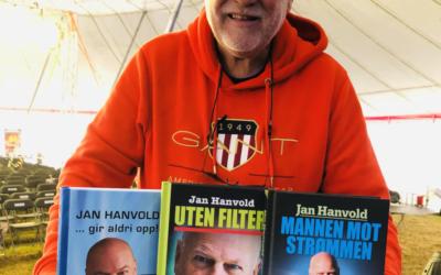 De fleste skriver bare EN selvbiografi, Jan Hanvold har skrevet TRE